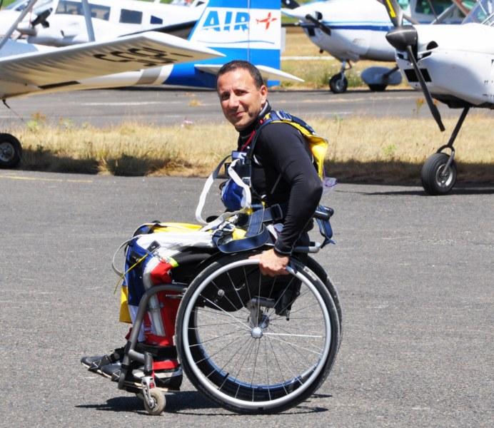 Antoine Aoun parachute